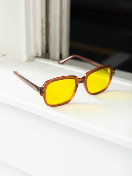 Factors-col.1-glasses-yellow.jpg