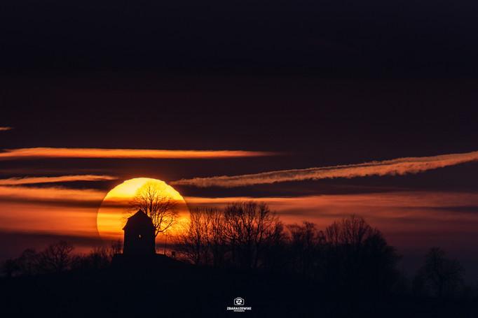 Kapliczka w Proszówce - Zachód Śłońca