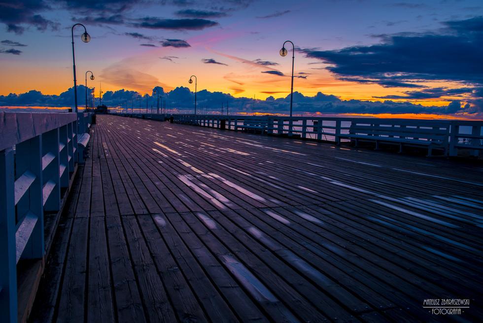 Wschód Słońca na molo w Sopocie