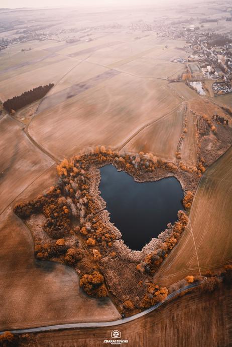Jezioro w kształcie serca - Siekierczyn.