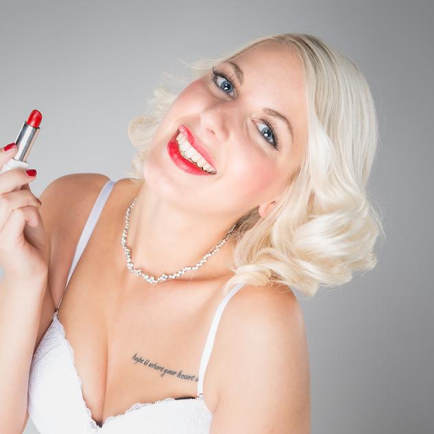 Portraitfoto Frau mit Lippenstift