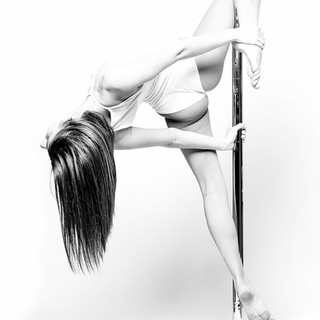 Poledancefotografie, Pole-Shooting, schwarz/weiß