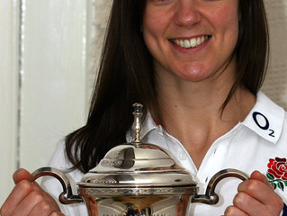Sarah Hunter, England Rugby Captain wins Frank Brennan Trophy