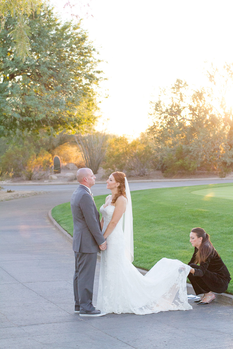 wedding-coordinator-bride-groom-austin-day-of-coordinator-atx-wedding-day-planner