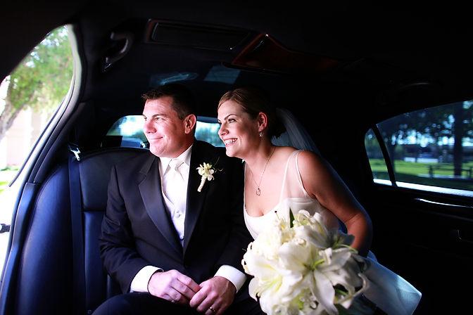 couple elope austin tx - weddingdaygirl.com - white wedding flowers - wedding transportation - limo