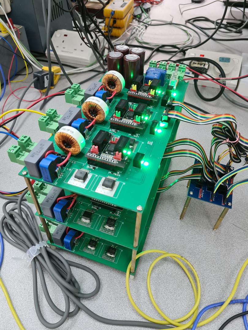 Full-bridge_2kW_inverters_setup.jpg