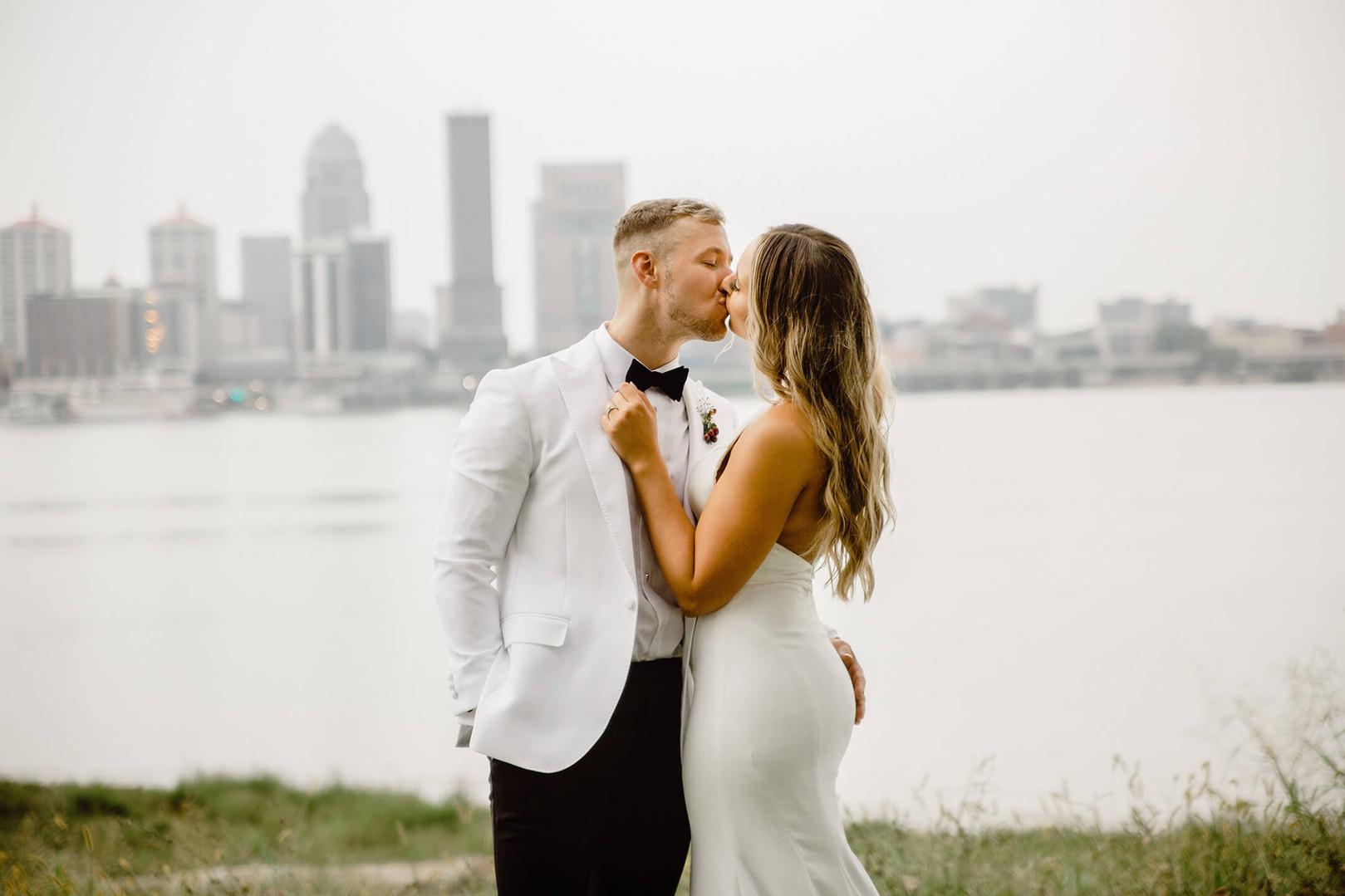 Louisville wedding photographer