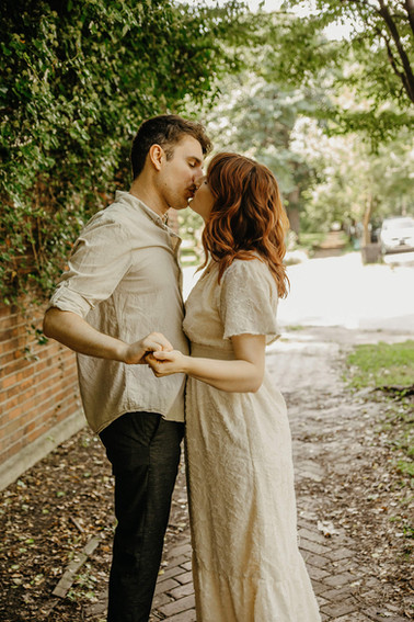 Louisville Engagement Photographers
