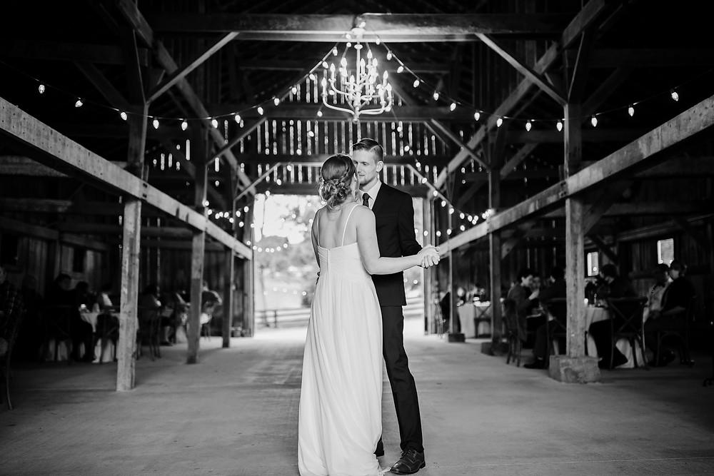 Louisville wedding photographer near me