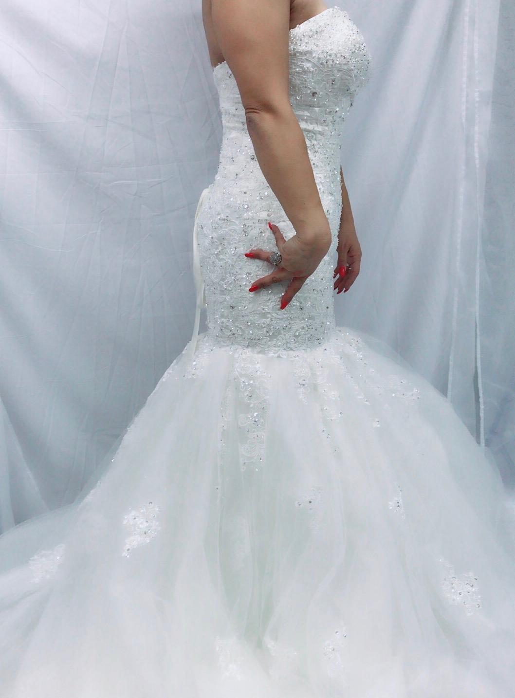 bridal dress amalia face