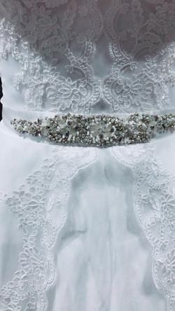 cintura detalles close up front bride