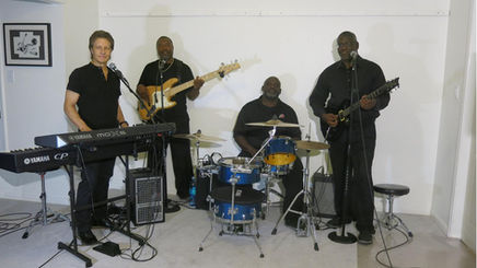 Gary-Michael Dahl Band in studio