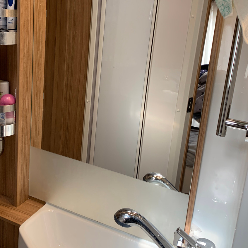 sink mirror back