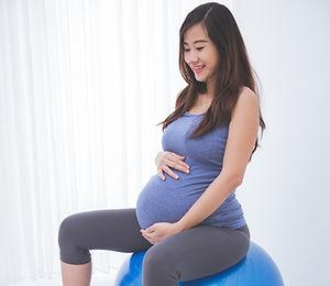 Femme enceinte ballon.jpg