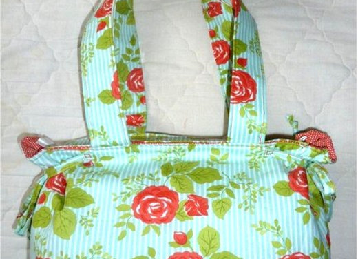 Shoulder Bag with Side Ties Pattern
