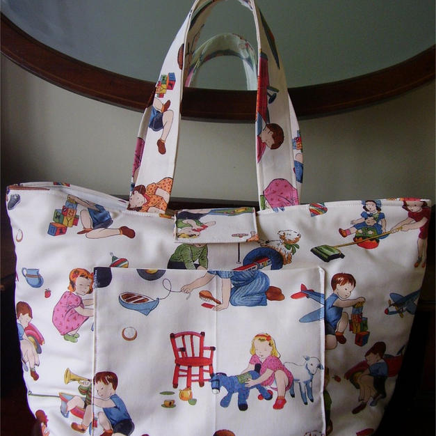 Nappy/diaper bag2