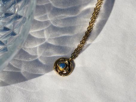 Les ravissants bijoux de Louise Damas