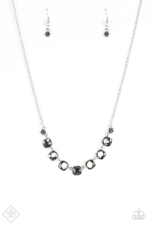 Deluxe Luxe Necklace - Black