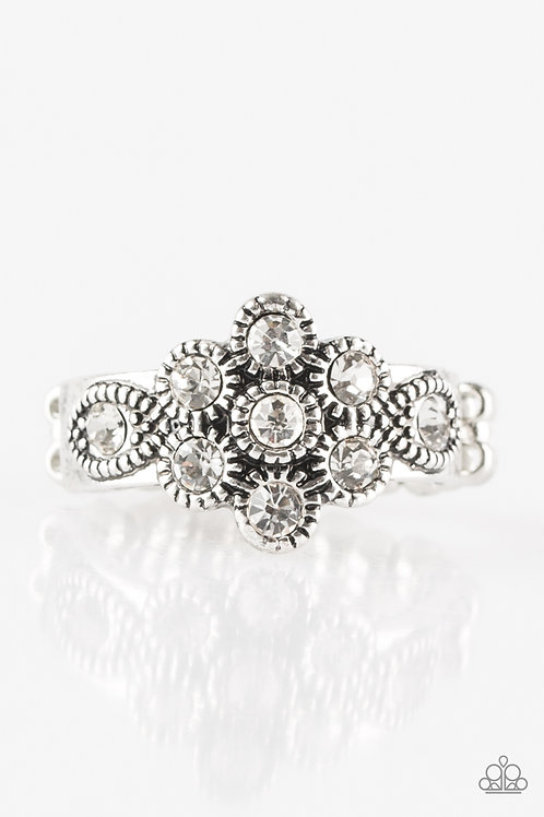 Garland Glamour Ring - White
