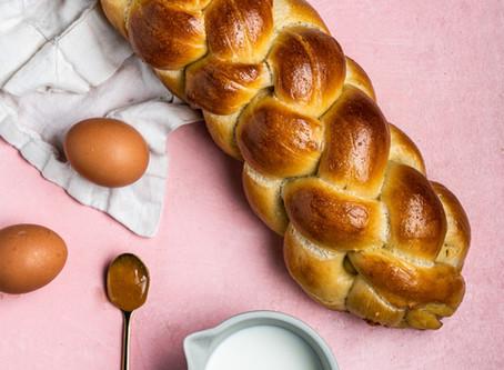 Wanna bake a delicious sourdough, egg-Challah at home?
