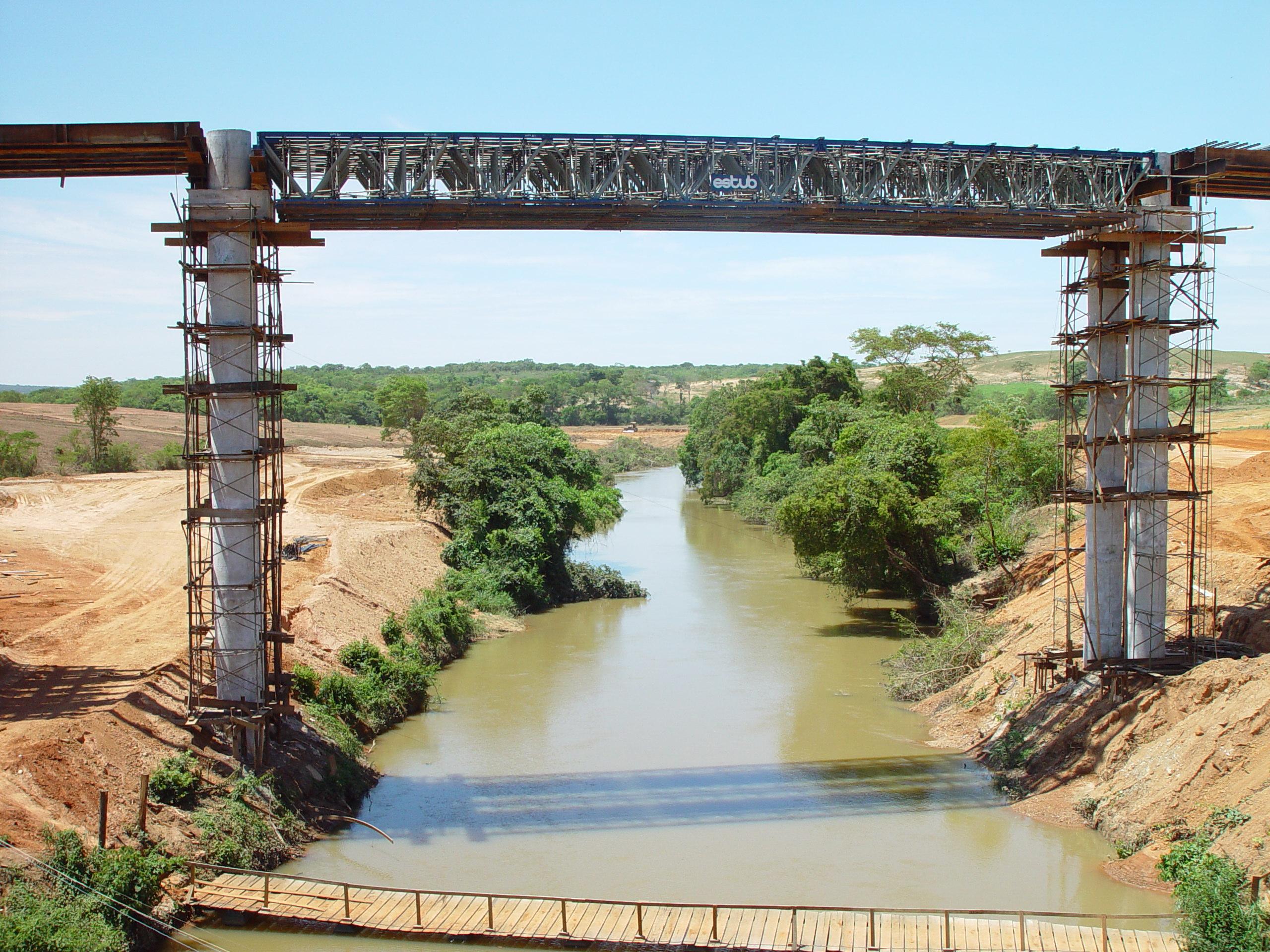 Ponte sobre o Rio Preto