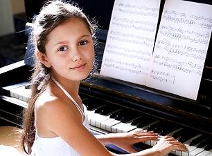 Girl_piano_Doorsign_web_edited_edited.jp