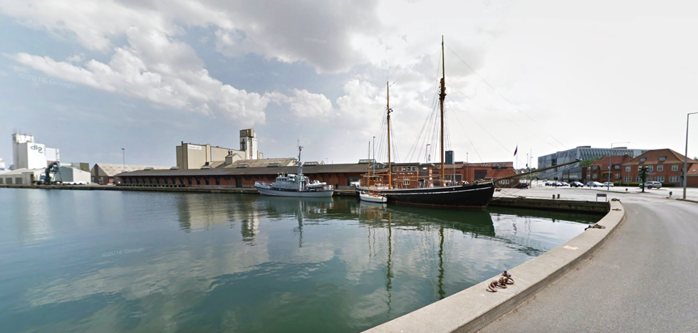 Seklskibet FREM på sin havneplads i Kolding