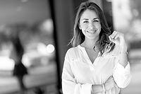 Mujer profesional sonriendo