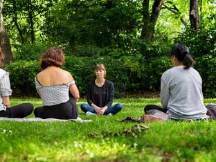 Au Jardin des Petits Miracles - Be Yourself Photographie - Photographe reportage Entreprise Toulouse - méditation