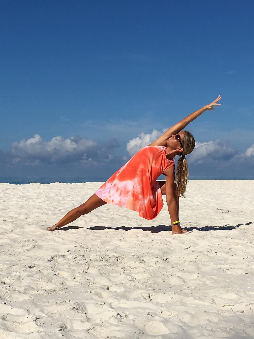 Shauna Gilsdorf in side angle at the beach