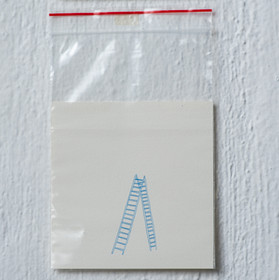 Sem título, 2017  Grafite de lapiseira 0.5 mm colorido sobre papel creme 220 g/m² e saquinho com lacre Dimensões: 19 cm x 12 cm