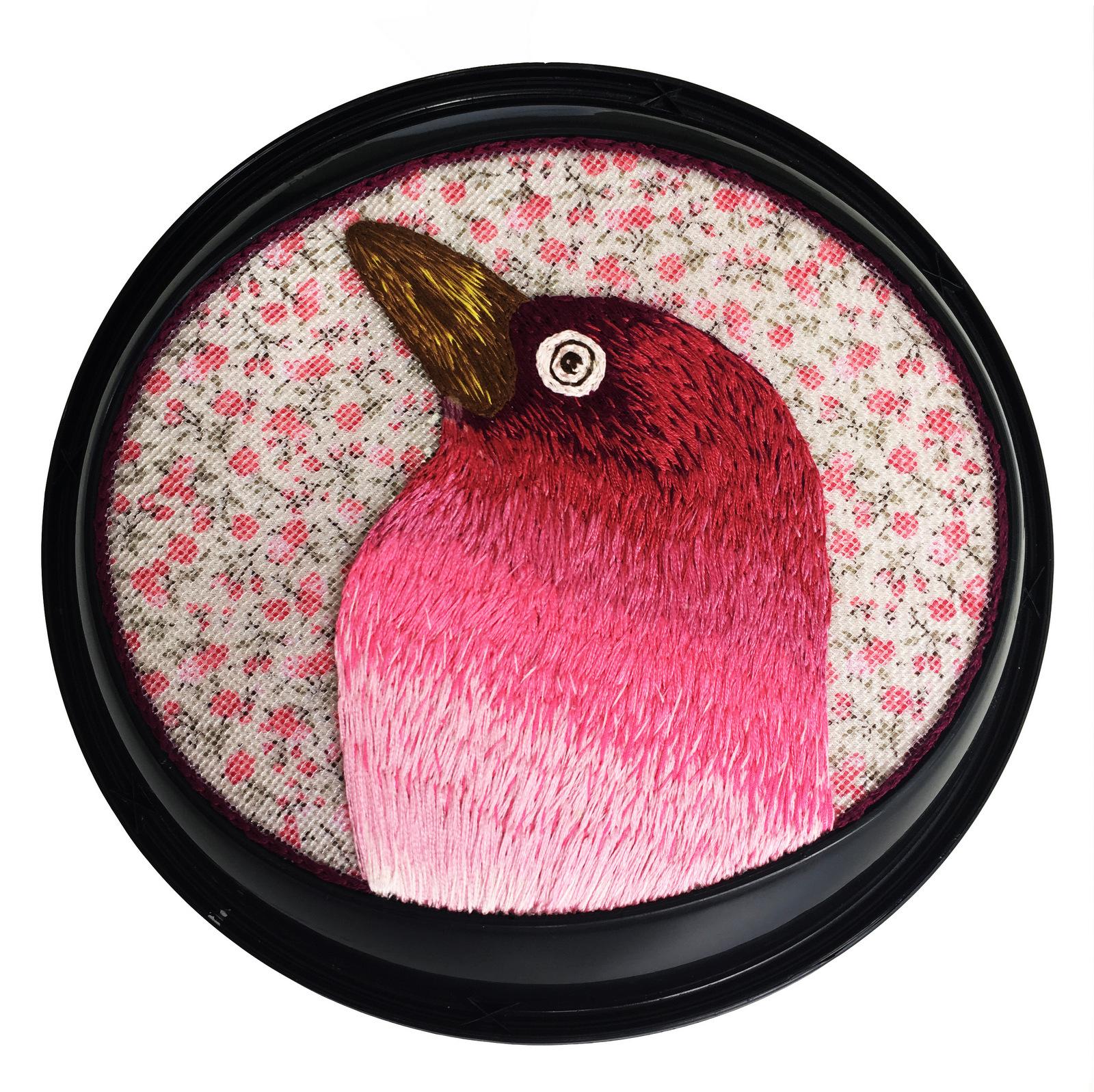 Cabeça de pássaro rosa Damares, 2019