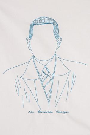 Seu Esmeraldo Rodrigues [detalhe], 2017/18  Desenhos bordados a mão sobre algodão e molduras originais restauradas Dimensões variáveis Fotografia: Junior Luis Paulo