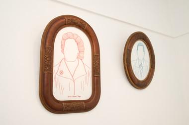 Seu Esmeraldo Rodrigues, Dona Maria Roza, 2017/18  Desenhos bordados a mão sobre algodão e molduras originais restauradas Dimensões variáveis Fotografia: Junior Luis Paulo