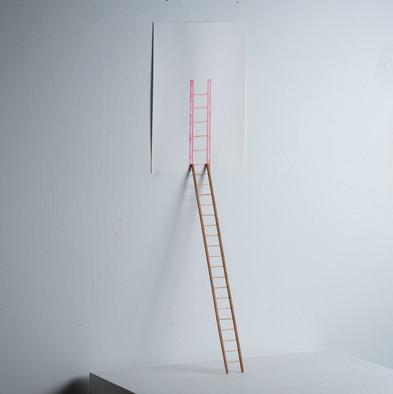 Sem título, 2016  Desenho objeto | grafites coloridos para lapiseira 0.5 mm sobre papel creme g/m²  200 e miniatura de madeira Dimensões: 100 cm x 100 cm x 100 cm