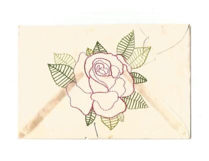 """À querida vovó Maria Rodrigues , 2020  Série """"Casa 34"""" Bordado sobre envelope de cartão com marcas do tempo (sem data) Dimensões: 09 cm x 14 cm"""