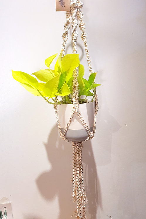 Suspension macramé blanc doré 80cm, pot de 15cm max faite main à Toulouse