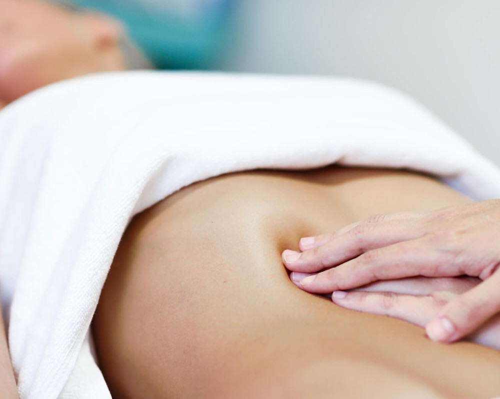 ADHERENCES - POSTCHIRURGICALES - OSTEOPATHIE - CORPS EN MAIN
