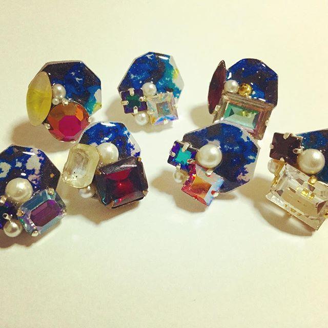 ☆ヴィンテージスワロと宇宙の耳飾り☆_お気に入りのずっと保存していた古いボタンを
