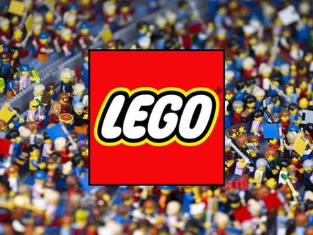 LEGO: de peças desmontadas à reconstrução de uma marca