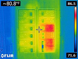 Flir-E4-Thermal-Image-of-Circuit-Breaker