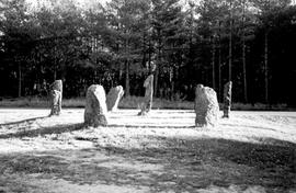 Steinsetting ved Harkmark kirke
