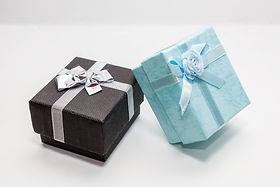 gift-3261509_1920.jpg