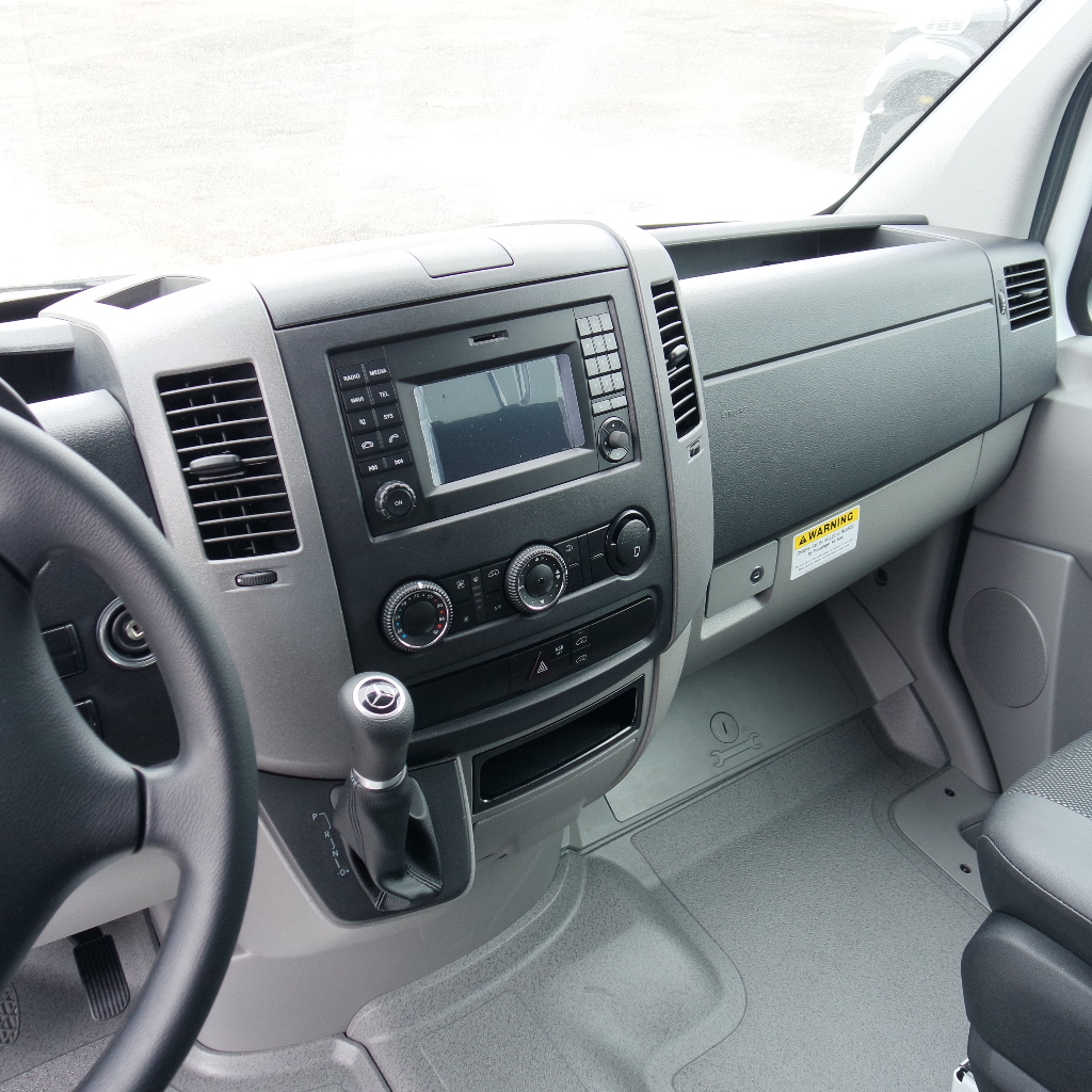 LGE-S103_Chuck-Extreme-Limousine-5