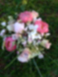 pinkki_pioni-vaalea_hääkimppu.jpg
