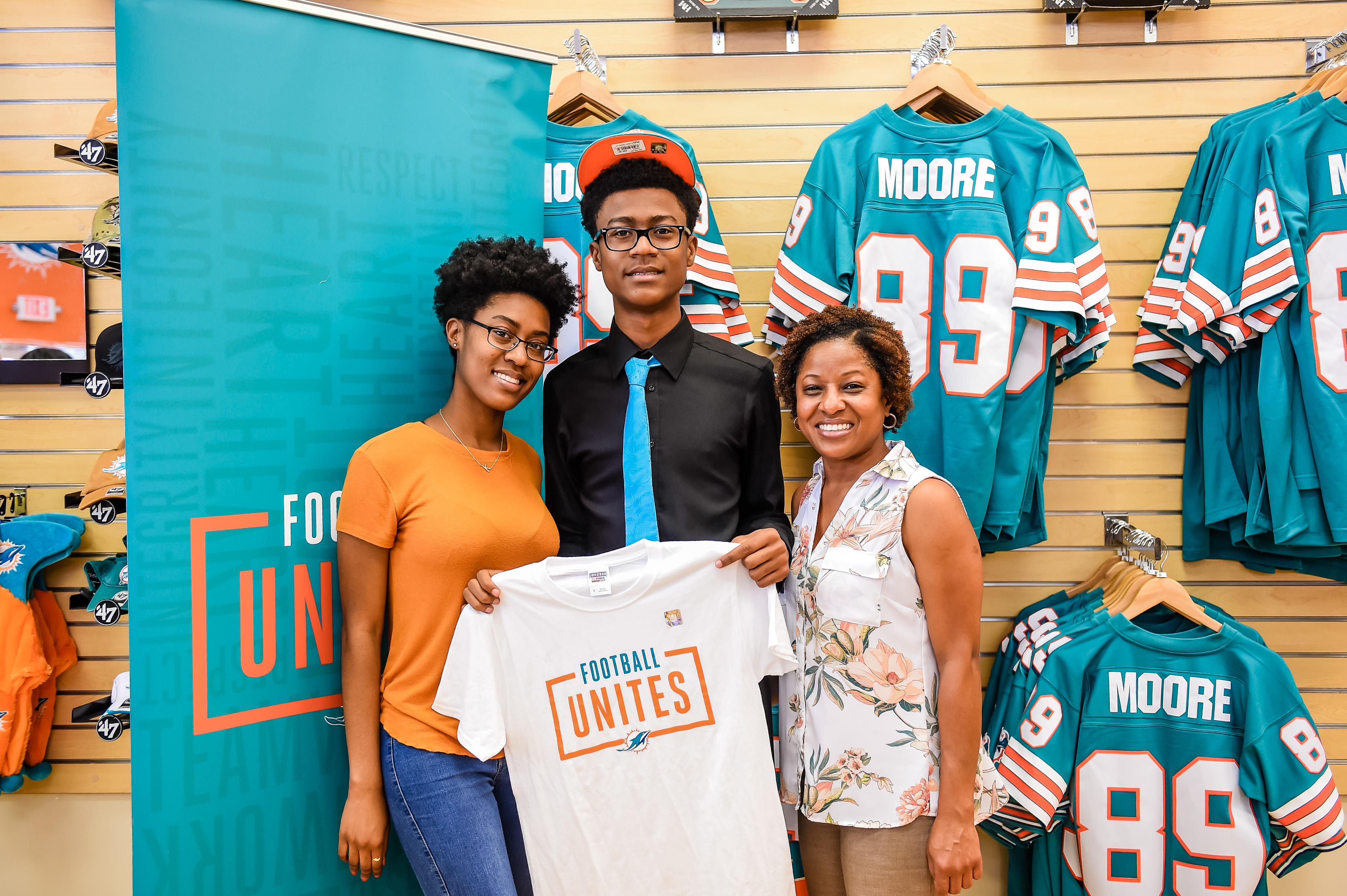 Miami Dolphins Select Malachi Dunn of Ha