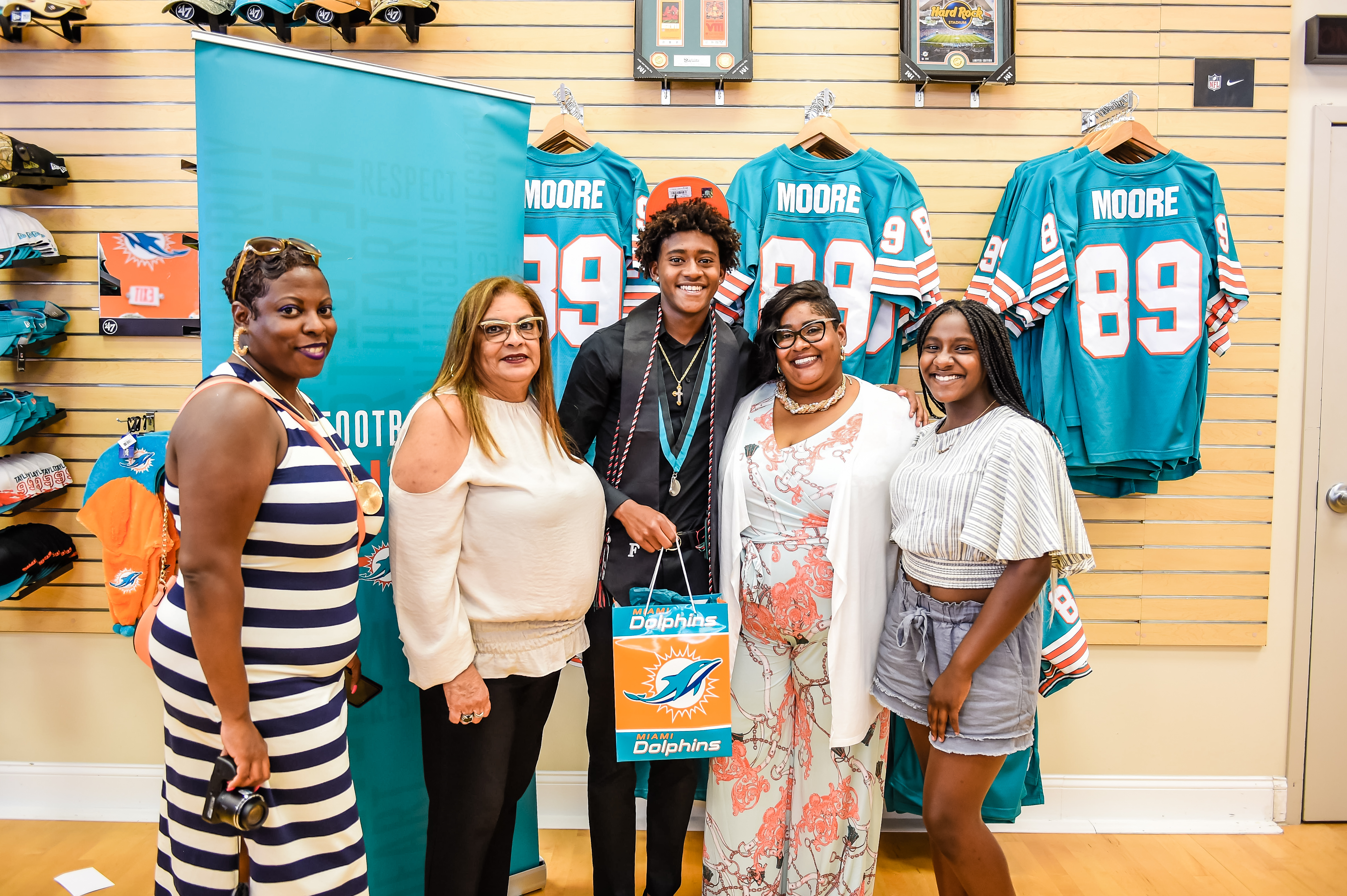 Miami Dolphins Select DaMauri Little of