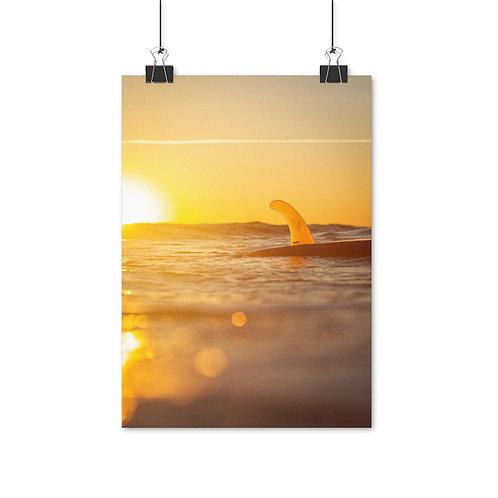 Single fin sunset surfing