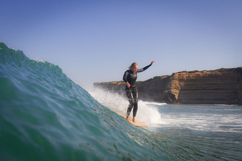 Hanna longboarding