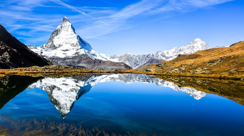 mountain-3679891_1920.jpg